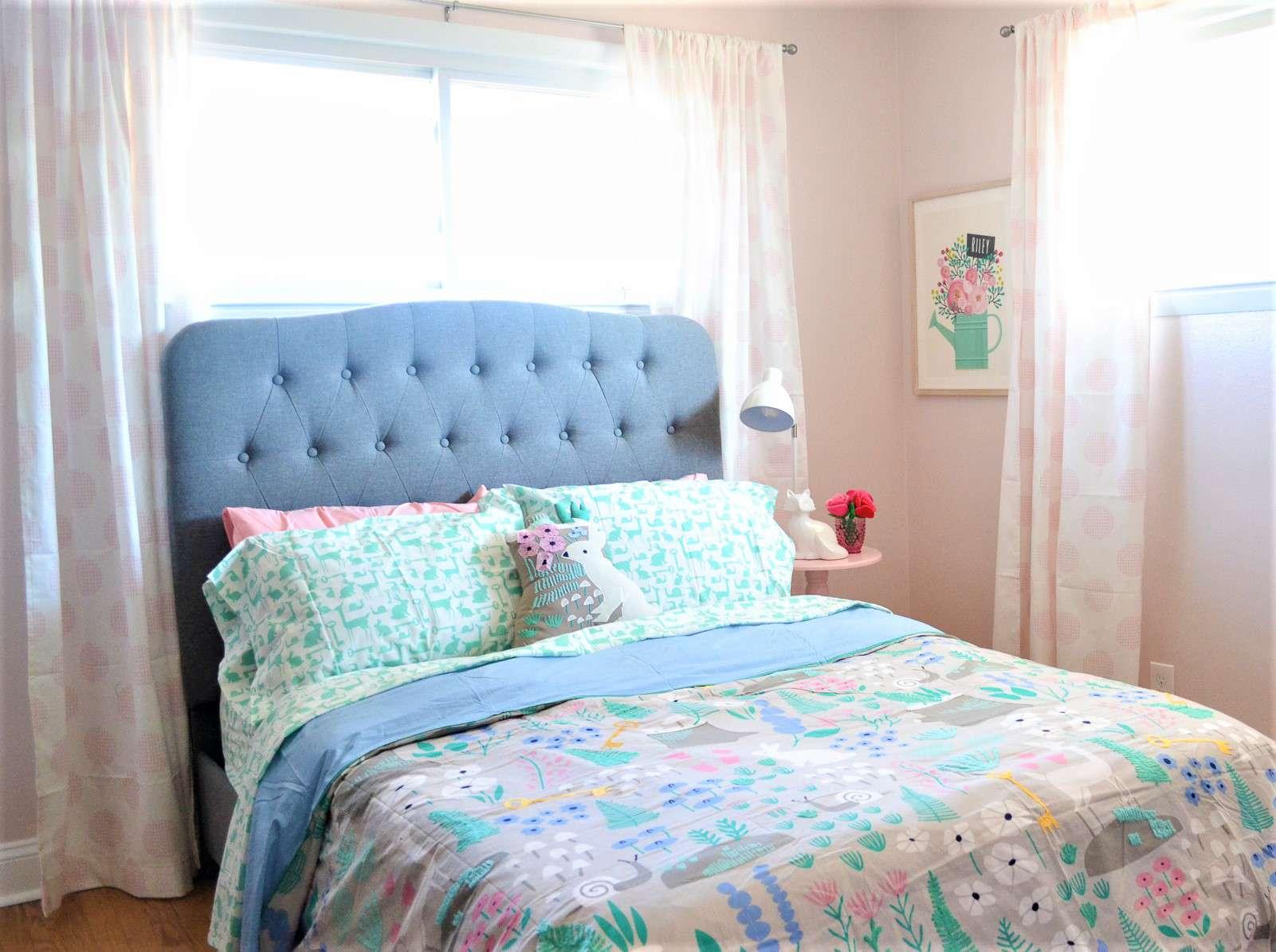 Hermoso dormitorio para una niña después del cambio de imagen