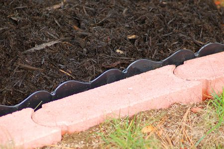 How To Install Lawn Edging Pavers, How To Lay Brick Pavers Garden Edging