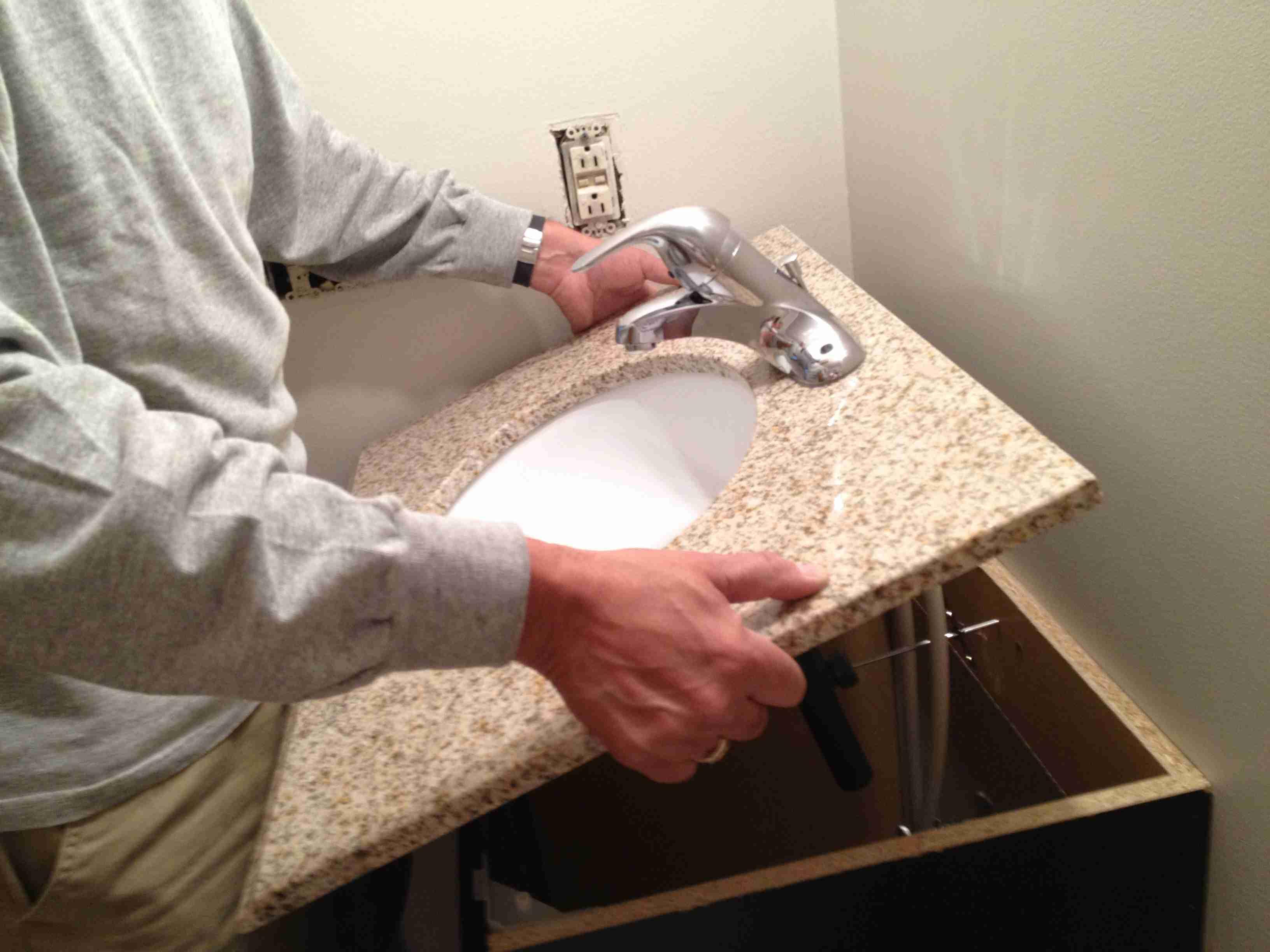 Installing a vanity top