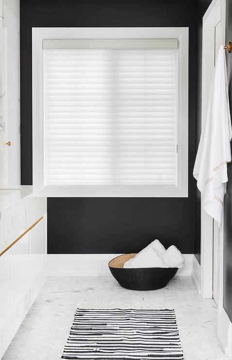 black and white striped bath rug mat 59b595d8396e5a0010cdbb67