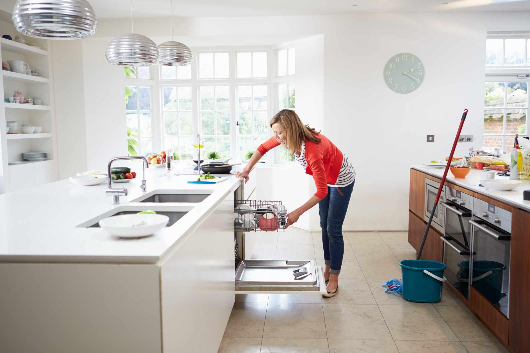 Lavavajillas de carga para mujeres