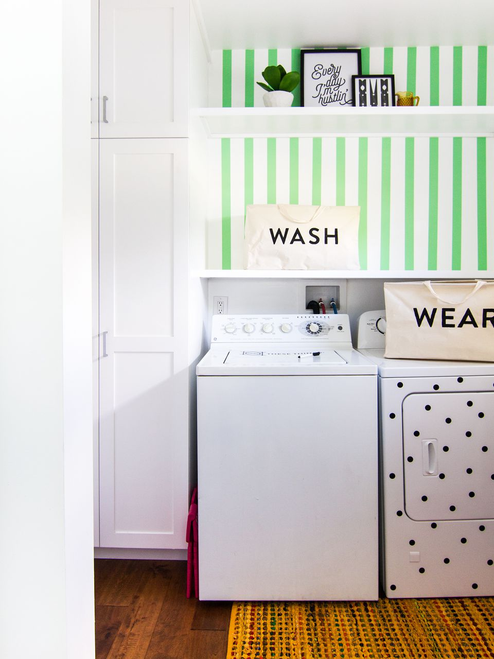 20 clever diy laundry room ideas diy laundry room storage baskets solutioingenieria Choice Image