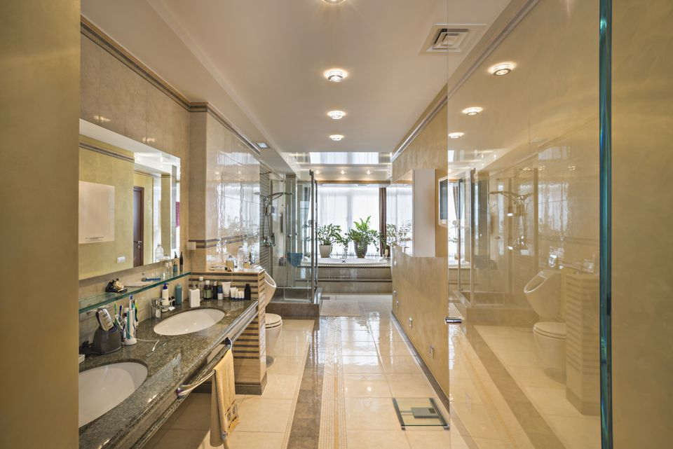 Luxury Bathroom with Tile Floor
