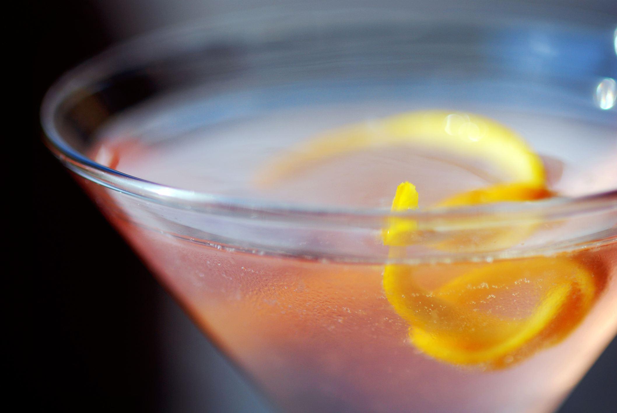 Shaken cosmopolitan cocktail