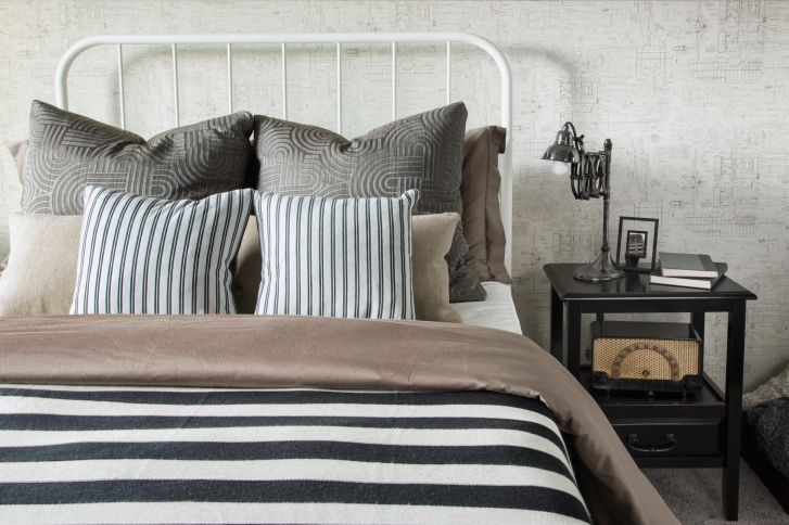 Choosing the perfect throw pillow