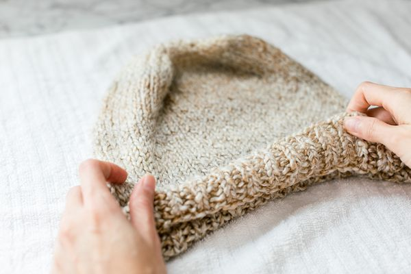 shaping a knit hat