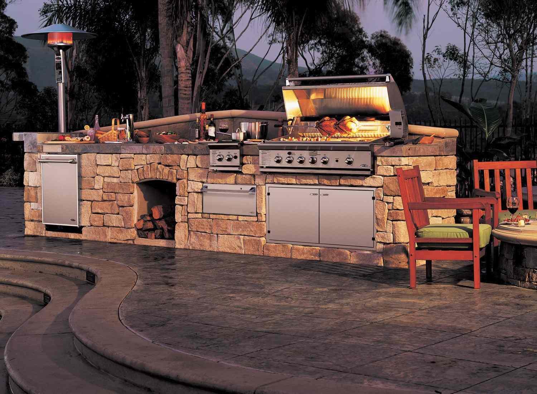 Cocina al aire libre de una sola encimera de piedra