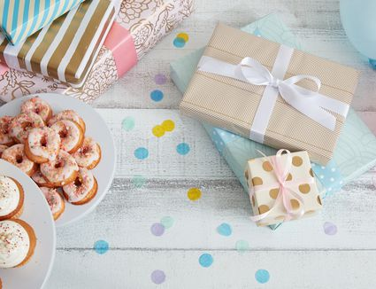 baby shower decor, gifts, and snacks