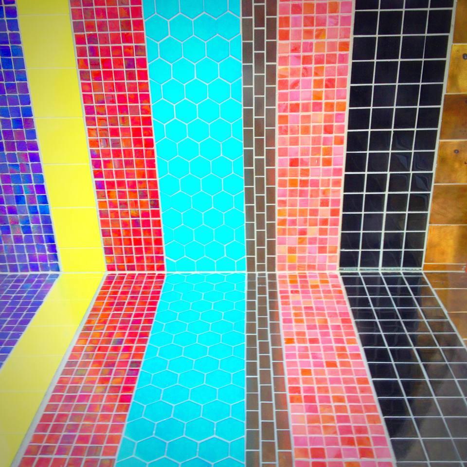 Dramatic bathroom tile