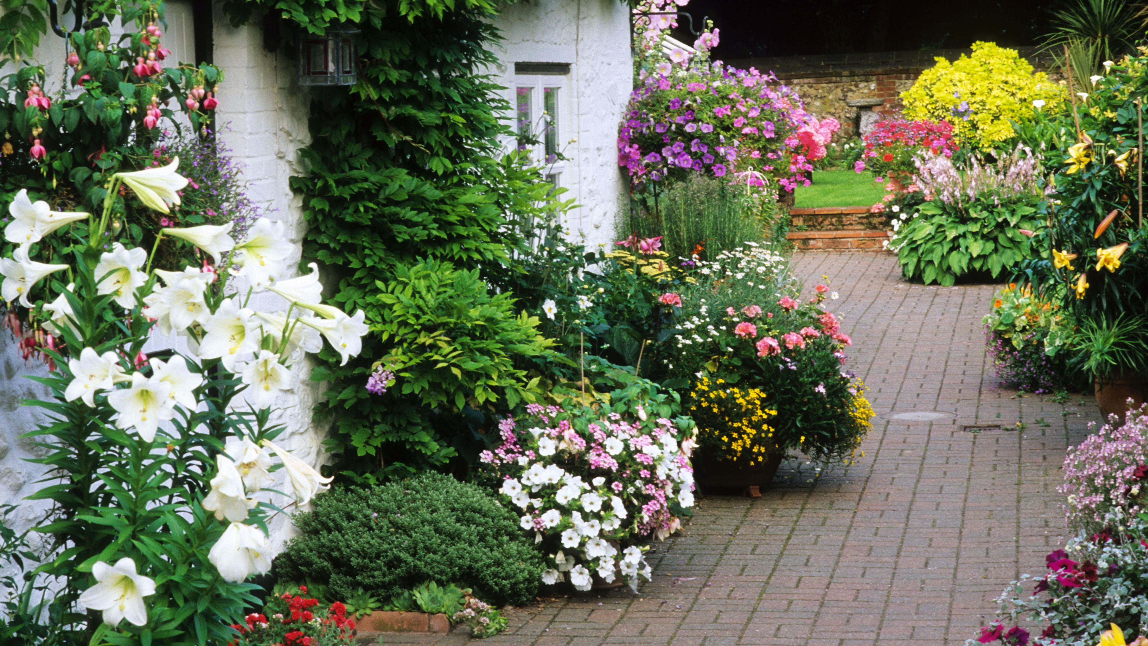 7 Flower Garden Designs You Ll Love