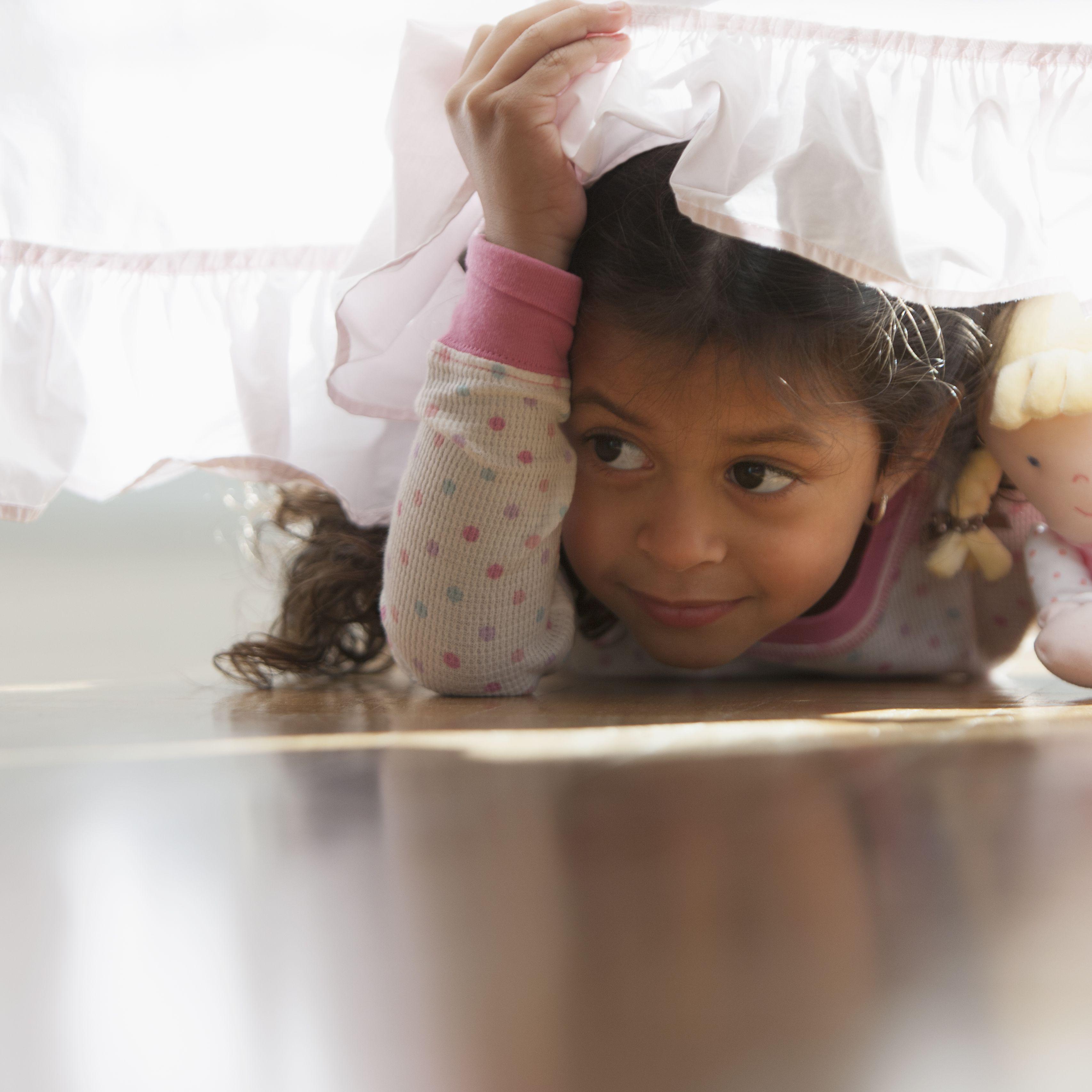 Clues for an Indoor Treasure Hunt for Children