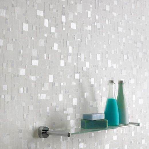 Reflective texture in a bathroom