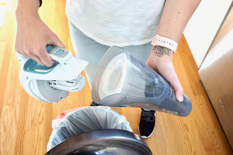BLACK+DECKER Cordless Lithium Hand Vacuum