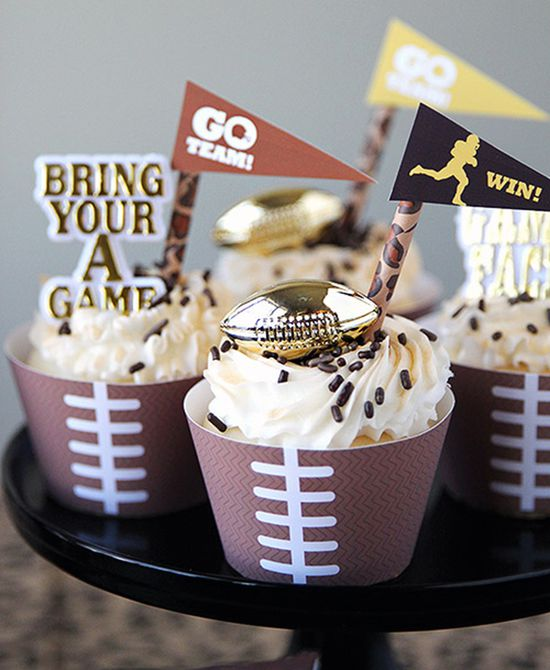 Envoltorios de cupcakes de fútbol imprimibles de bricolaje