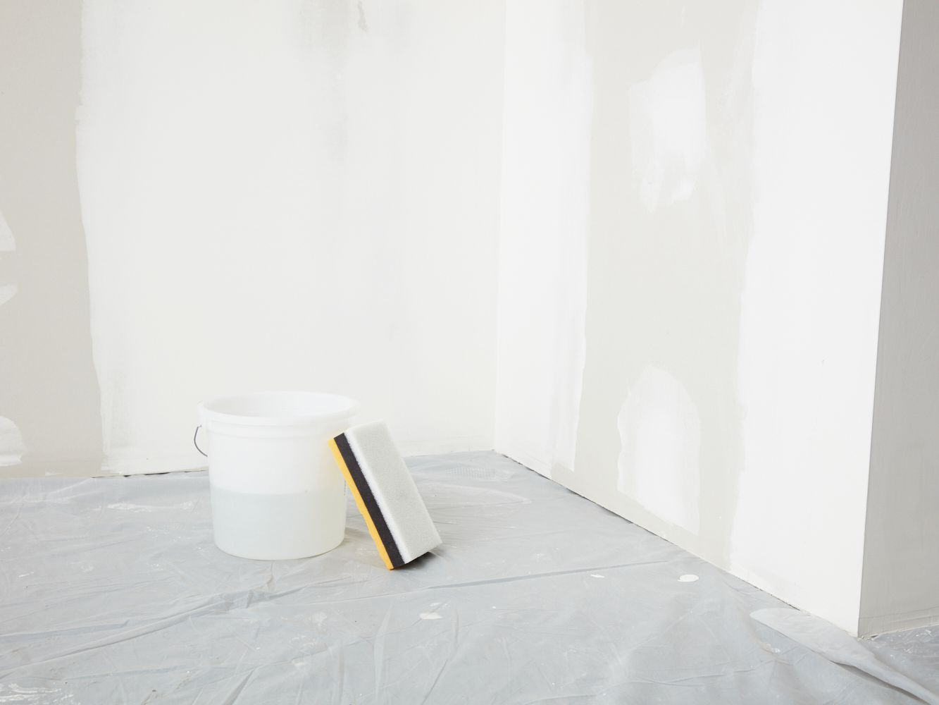 How To Wet Sand Drywall Avoid Dust