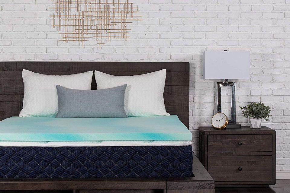 DreamFoam Bedding 2-Inch Gel Swirl Memory Foam Topper