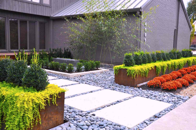 landscape makeover: a colorful contemporary yard in missouri