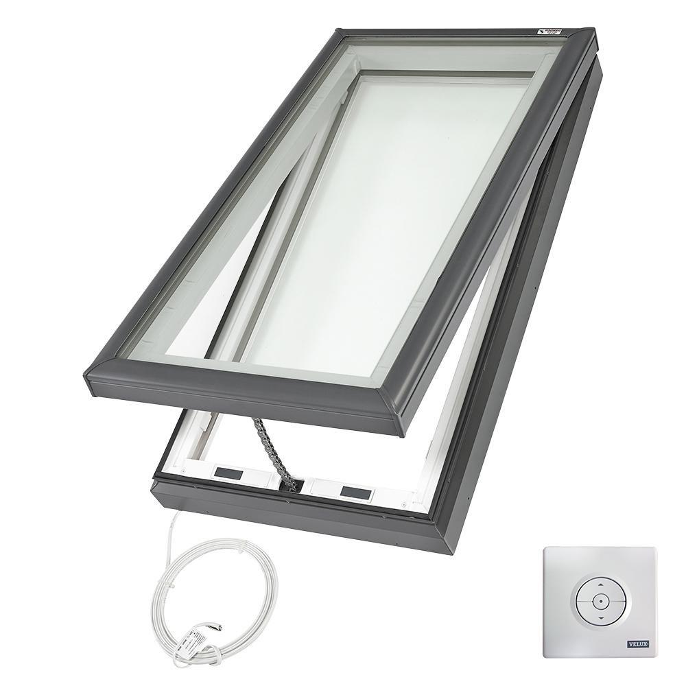 Claraboya de montaje en bordillo con ventilación eléctrica Velux Fresh Air con vidrio laminado Low-E3