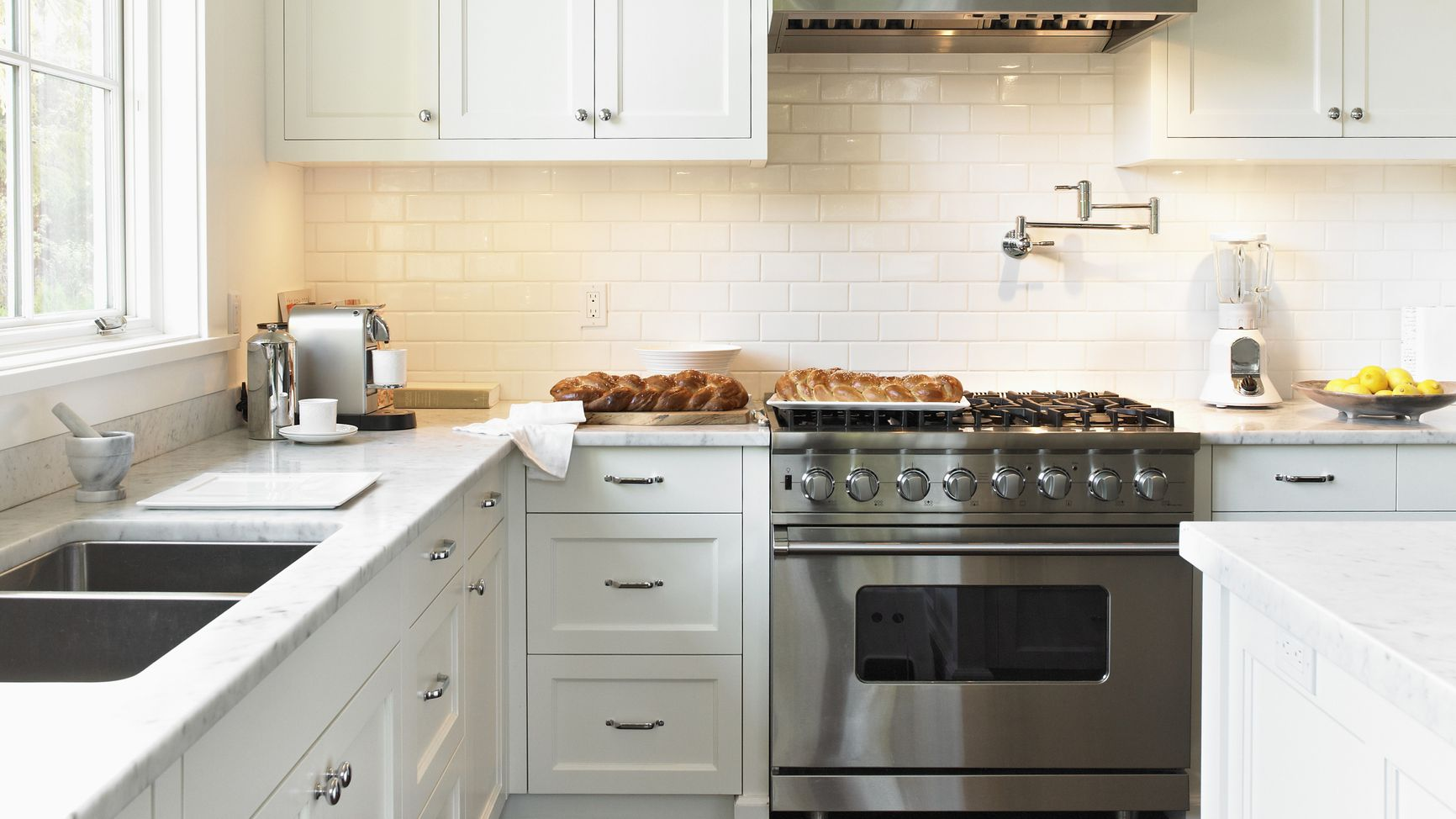 wall oven vs range: what's the difference?