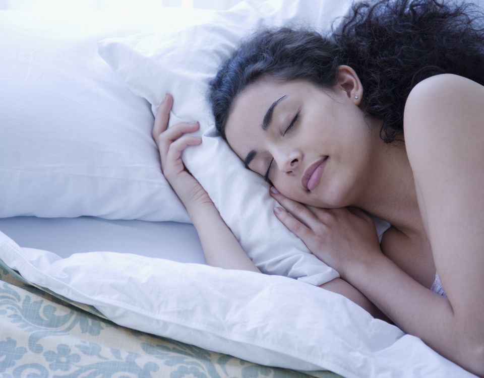 14 hábitos que te ayudarán a dormir mejor.
