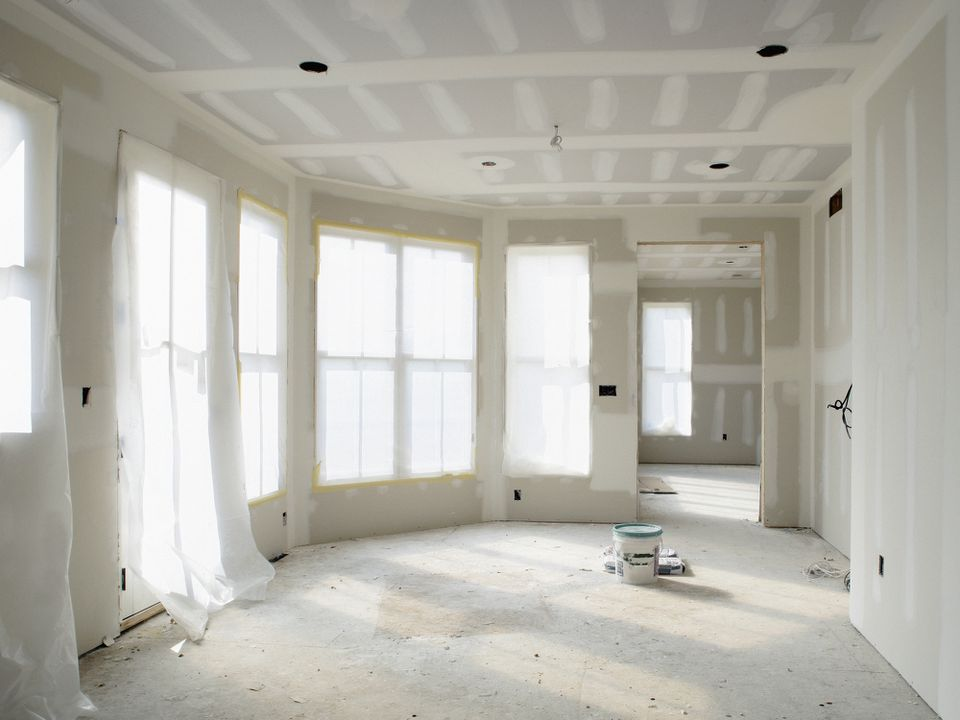 Drywall going up in a home