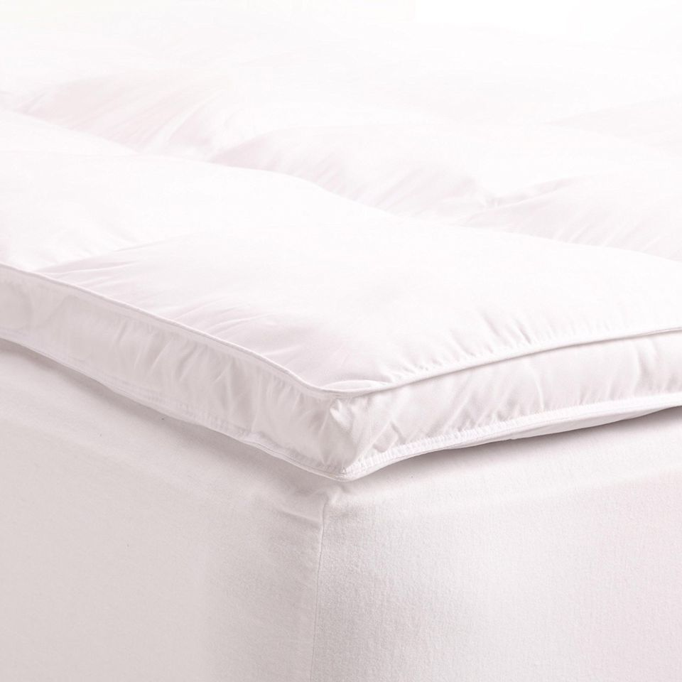"""Superior Queen Mattress Topper, Hypoallergenic White Down Alternative Featherbed Mattress Pad - Plush, Overfilled, and 2"""" Thick"""