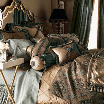 Villa di Como Bedding from Neiman Marcus.