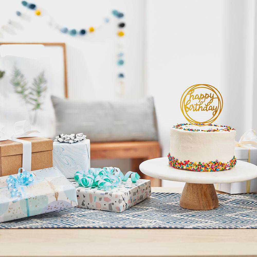 10 Gift Ideas For A Sweet 16 See more ideas about birthday photoshoot, sweet 16 photos, 16th birthday. 10 gift ideas for a sweet 16