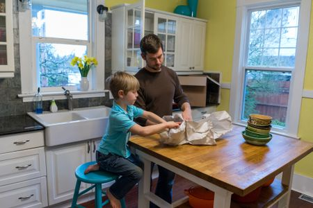 How To Pack Your Dishes Glassware When Moving Impressive Moving Furniture Across Country Decor
