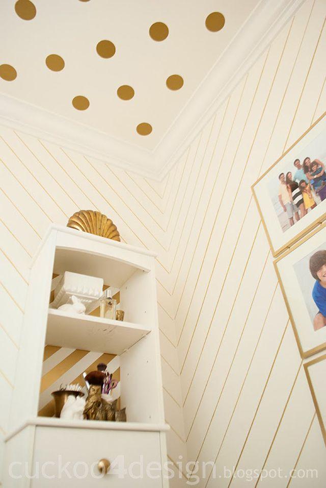 Metallic gold pinstripe wall with Sharpie pen