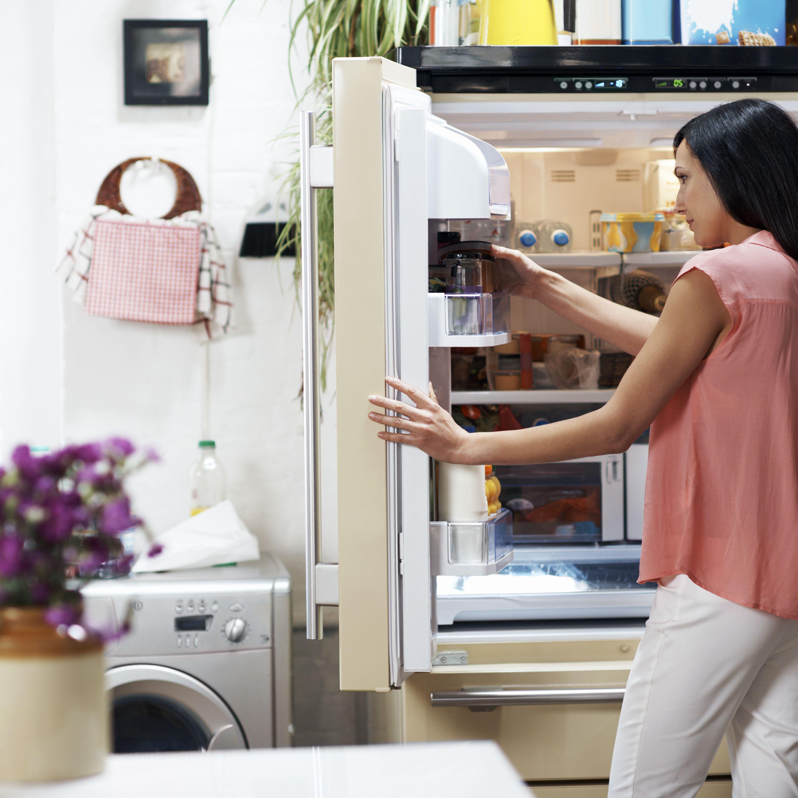Using Baking Soda in the Refrigerator
