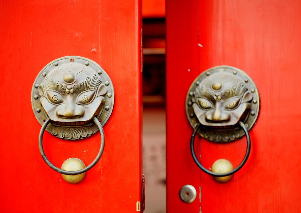 chinese red door