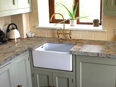 cheap and elegant material choices for kitchen countertops