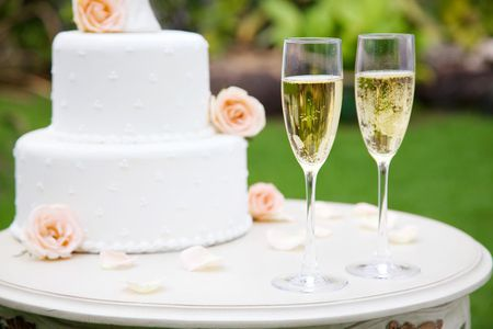 How To Choose The Right Wines For Weddings