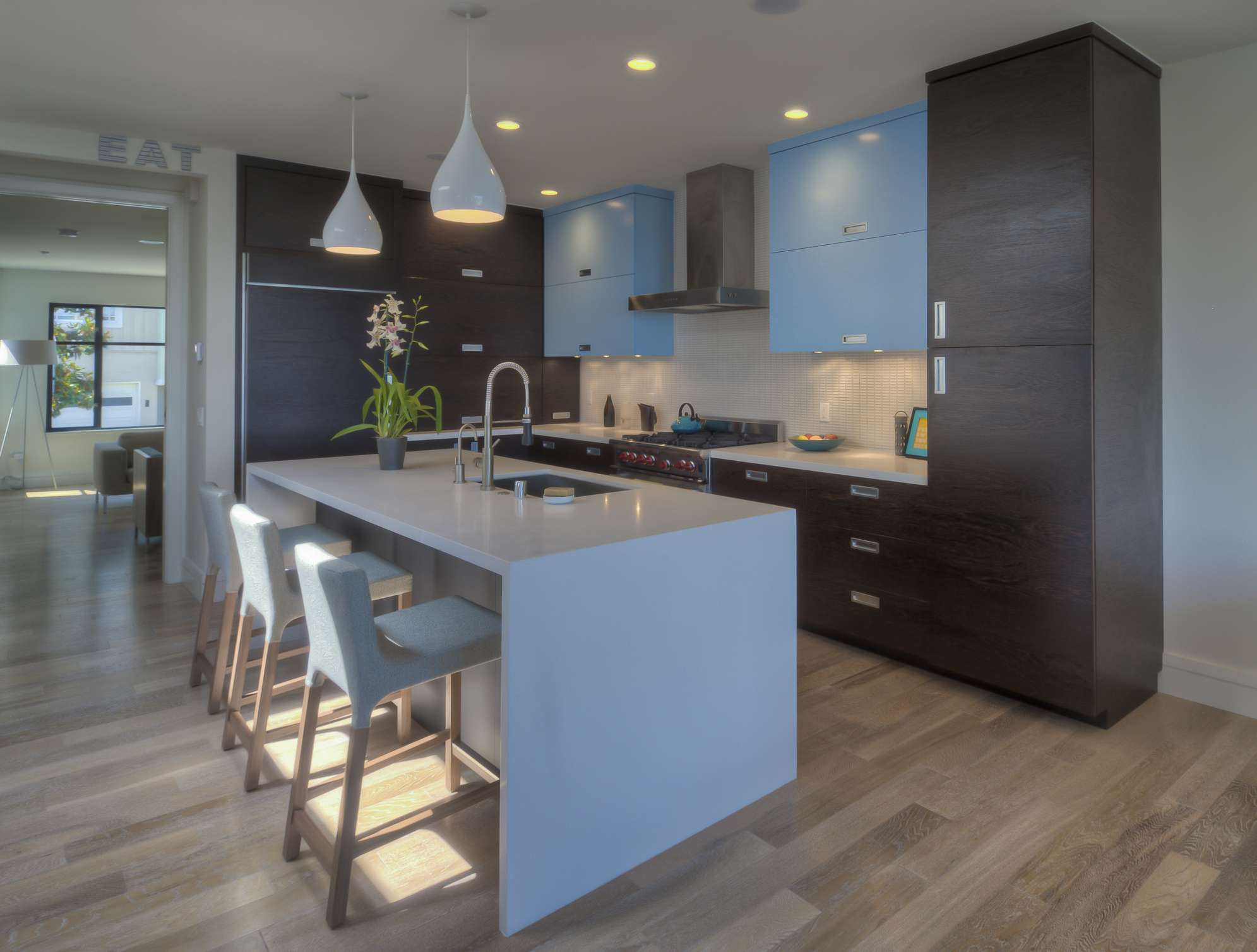 8 Fabulous Two-Toned Kitchens on ideas for gray paint, ideas for old silver, ideas for gray bathroom, ideas for corner kitchen cabinet, ideas for gray sofas, ideas for gray carpeting, ideas for gray living room,
