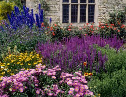 Gardening ideas inspiration 16 pretty flower garden borders for summer gardening ideas mightylinksfo