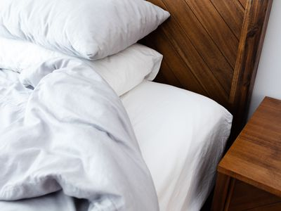 comfortable bed linens