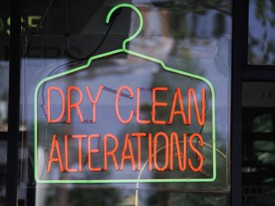 How to use home dry cleaning kits correctly dont get taken to the worst dry cleaner laundry products solutioingenieria Image collections