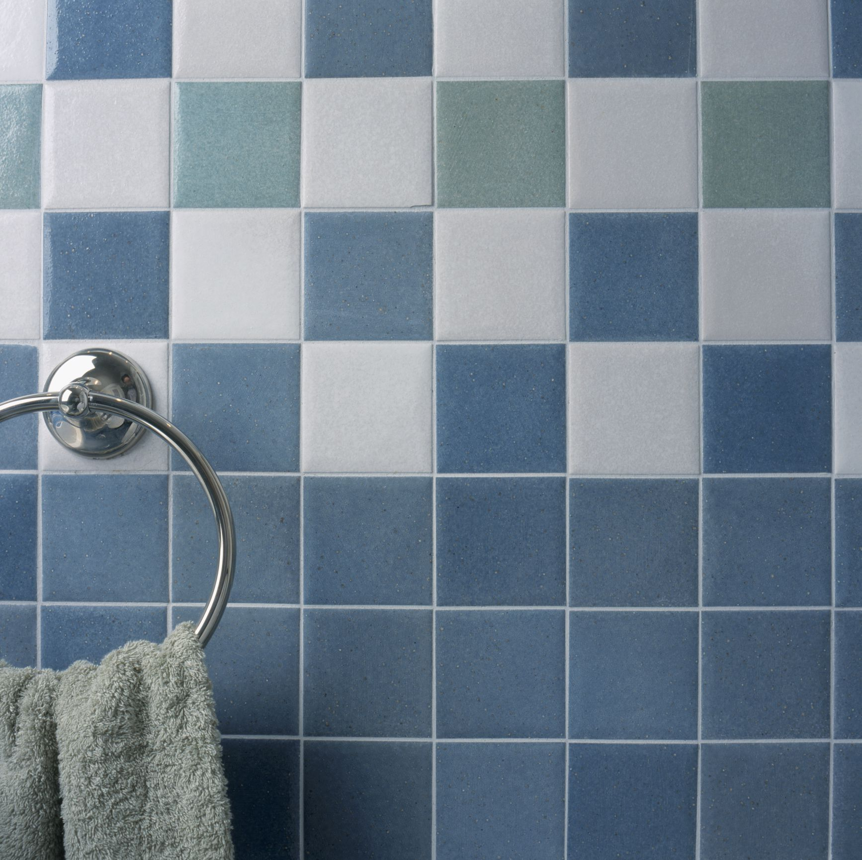 Glass Tiles In Bathroom: Removing Tile Grout In A Few Simple Steps
