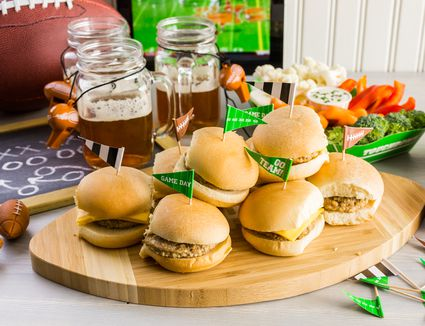 Sliders with veggie tray