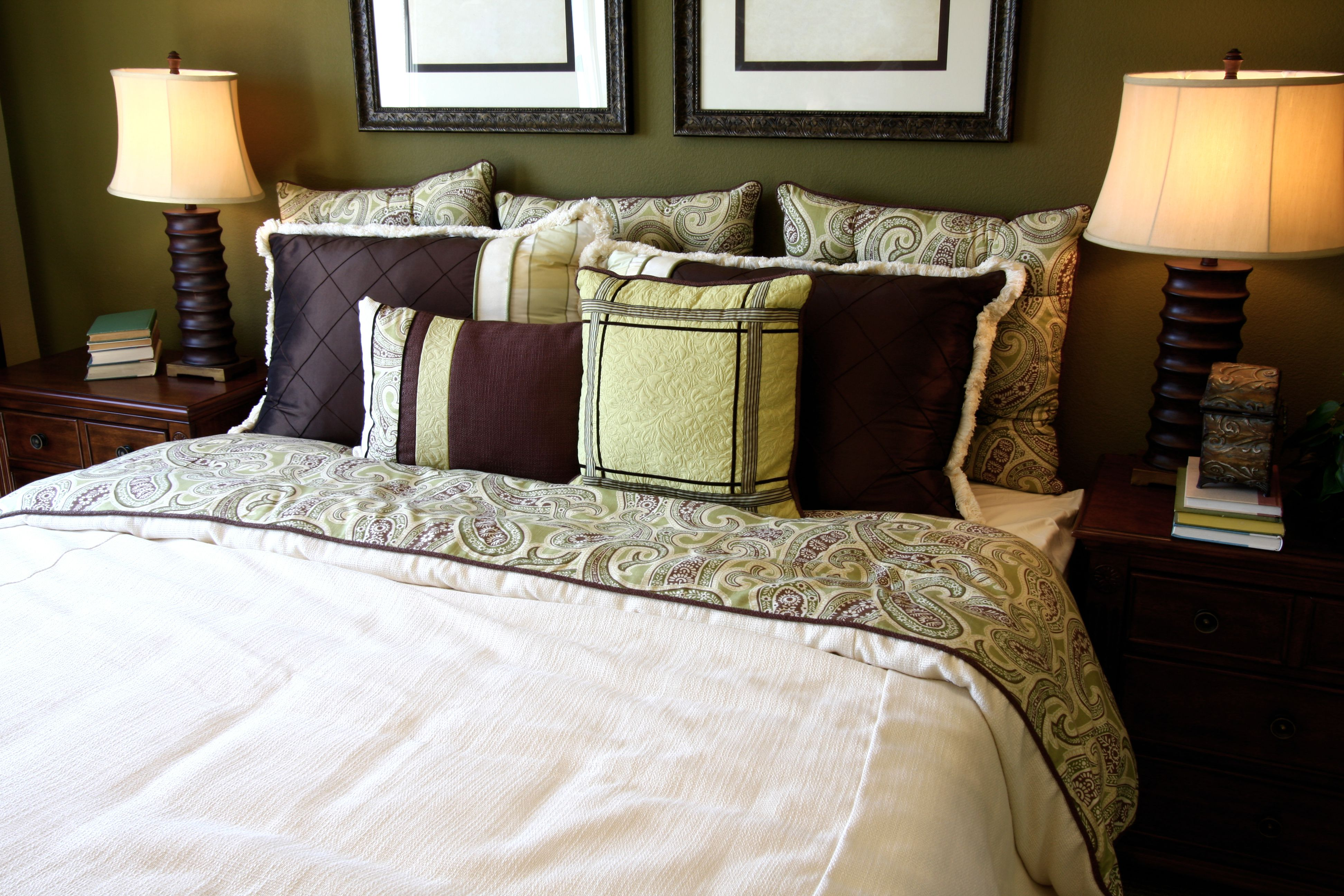 5 Tricks And Tips For Brightening A Dark Bedroom