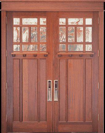 Artesano de molduras de puertas