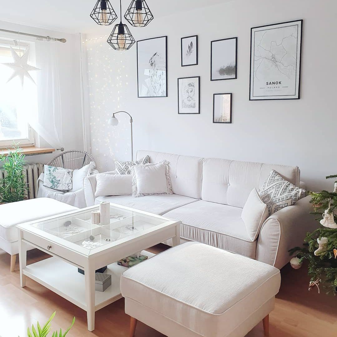 Scandi living room all white