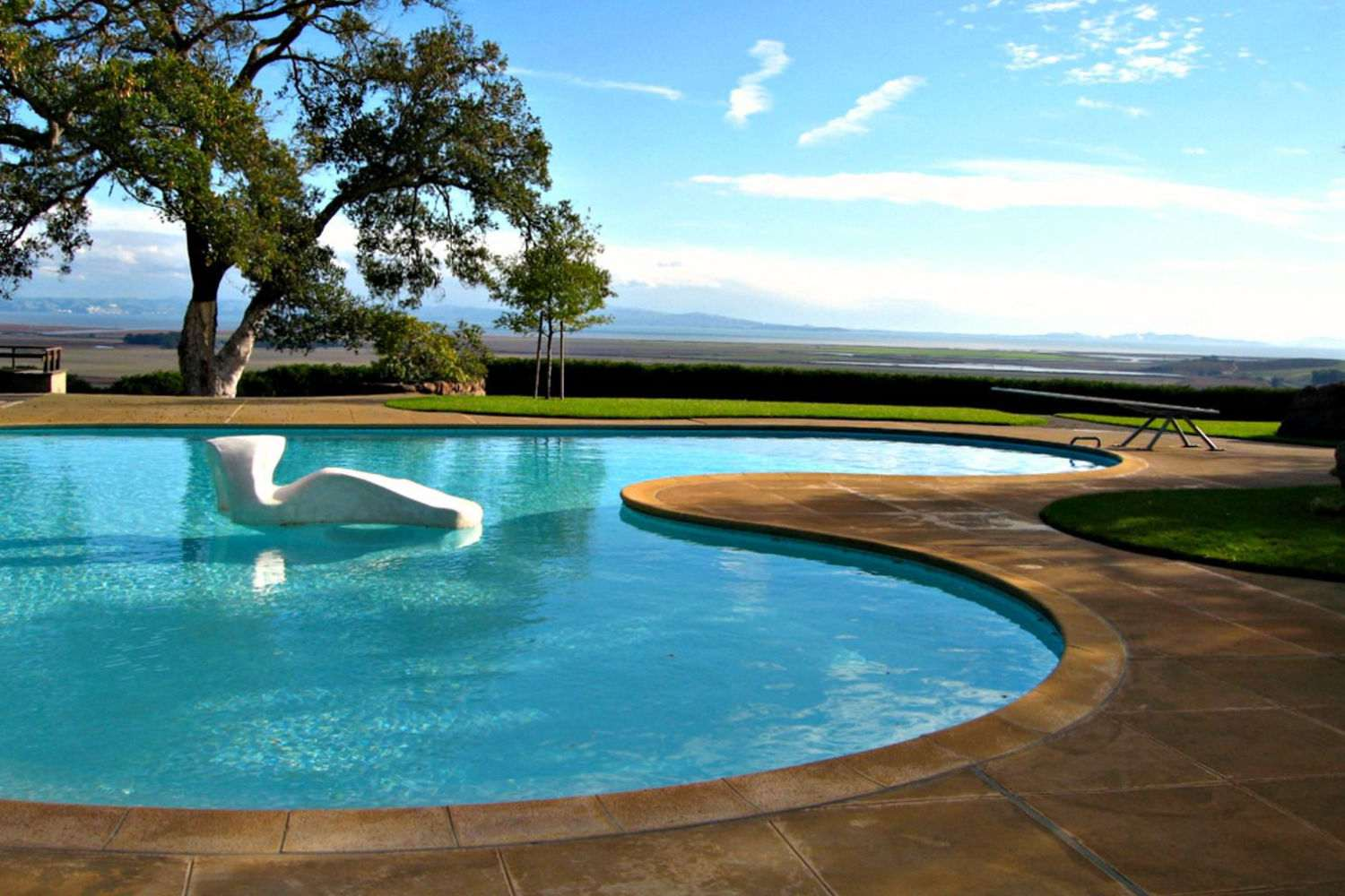 modernist donnell pool sonoma