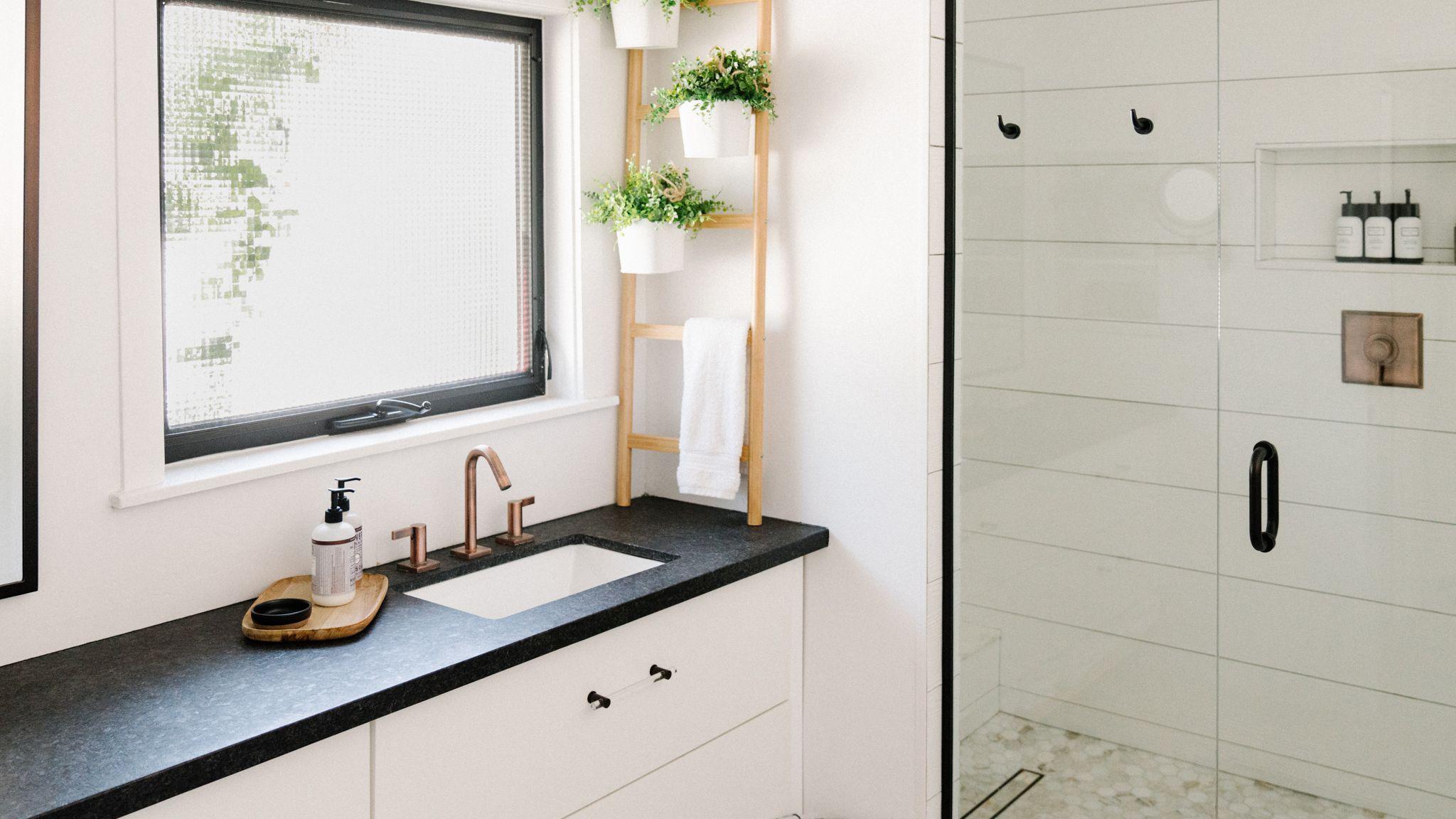 15 Modern Farmhouse Bathrooms, Cottage Bathroom Mirror Ideas