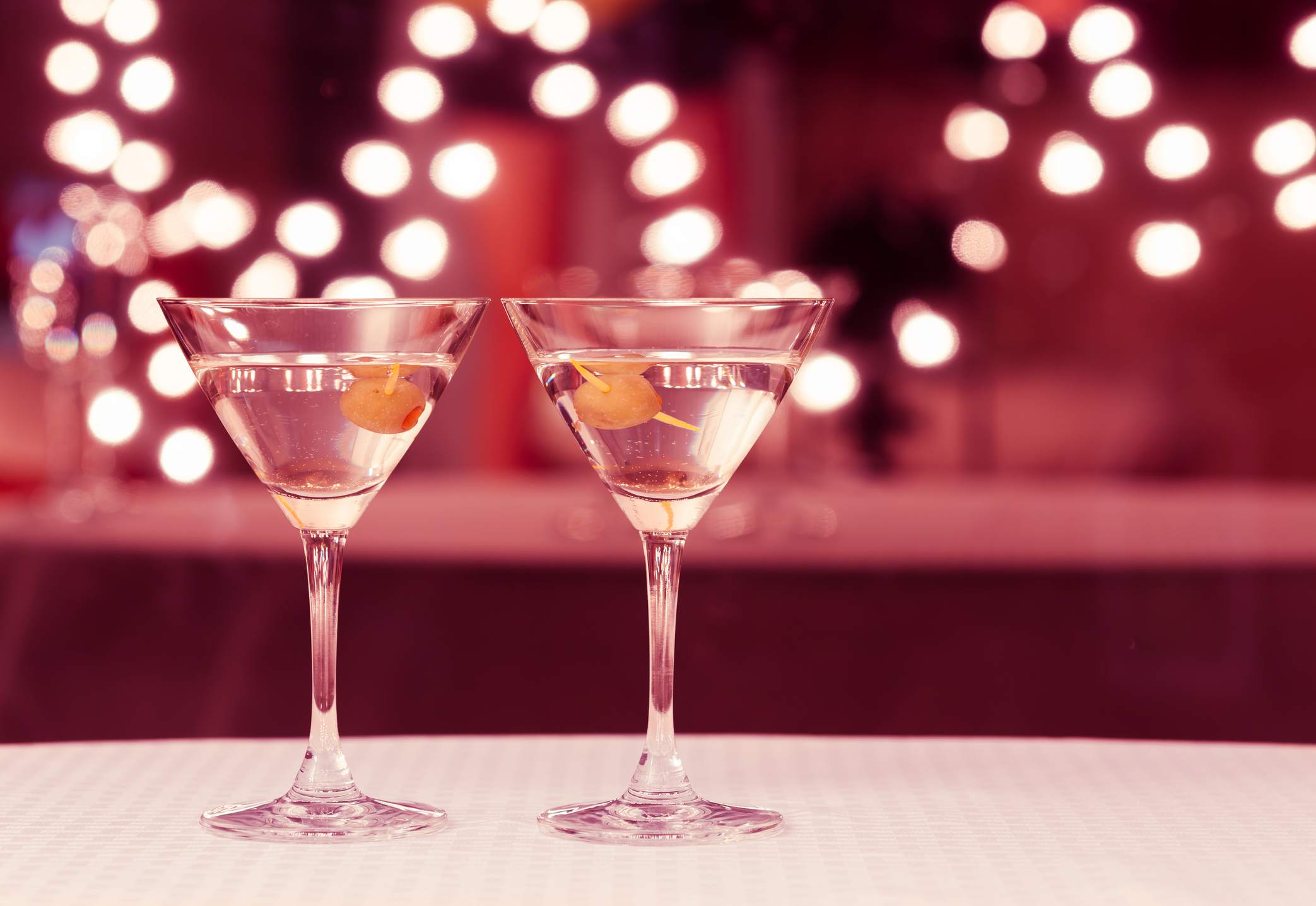 7 Tips for Serving Alcohol at Your Wedding
