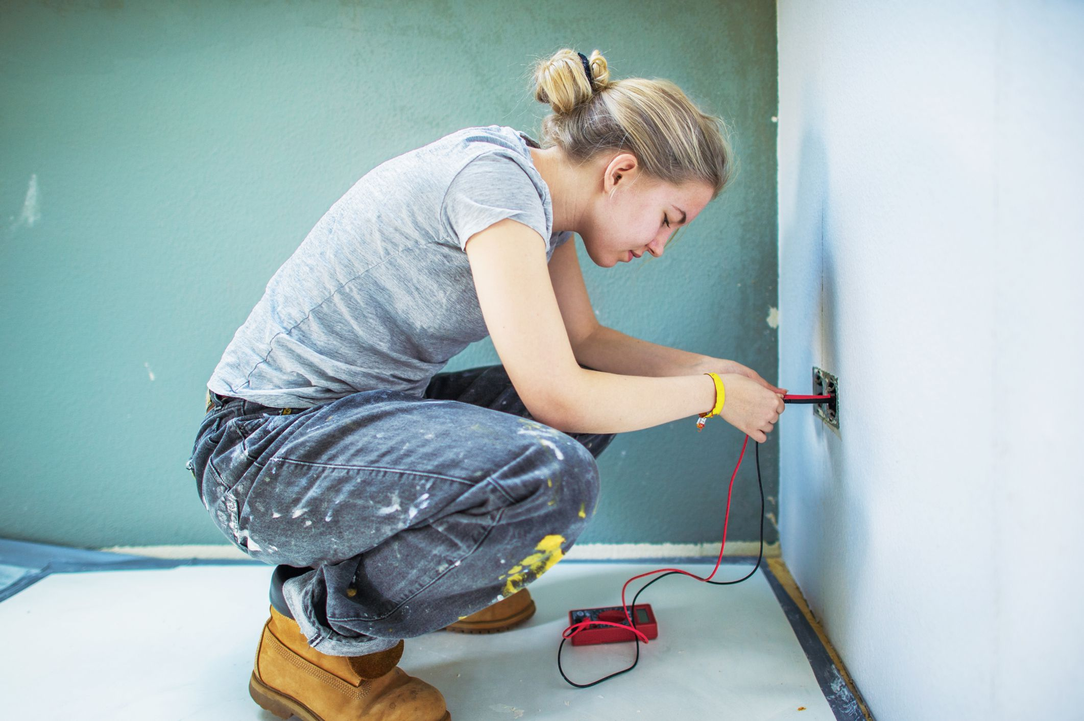 Learn How to Install Electrical Outlets Yourself