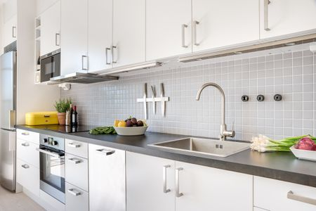 Theril Cabinets, How To Update Laminate Kitchen Cabinets