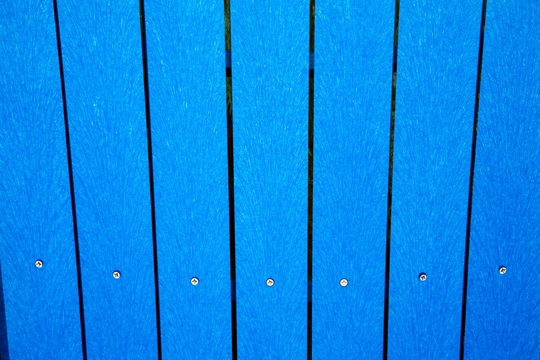 Tablas azules de plástico y material compuesto de madera