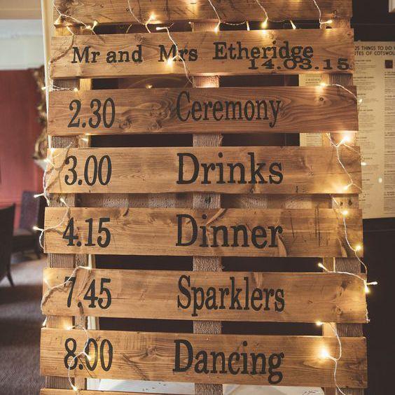 Pallet wedding lineup